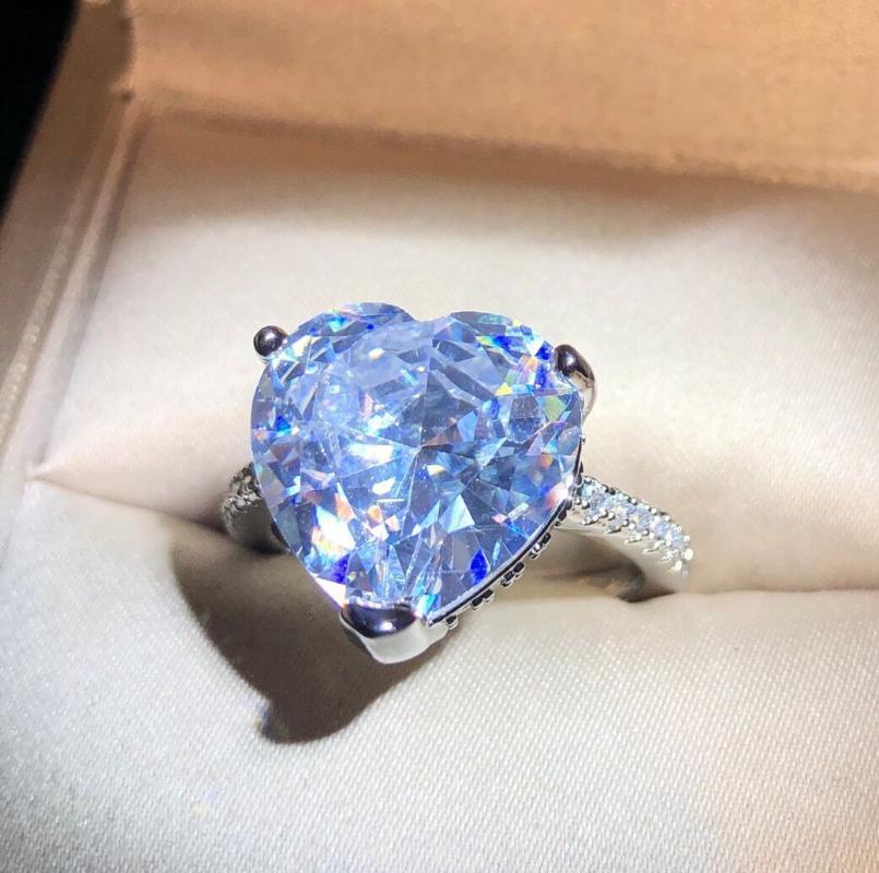 Mode superbe d'amour Grand Transparent zircons femmes mariage Bague de fiançailles Saint-Valentin Bijoux Bijoux cadeau populaire
