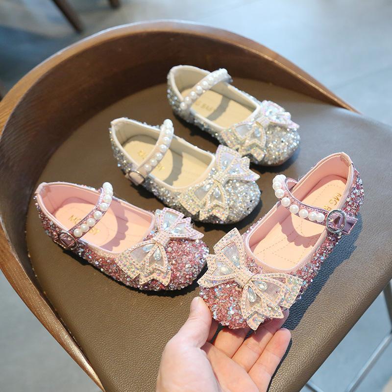 2021 Nouveau printemps Baby Girl School School Chaussures avec papillon Brillants de cristal Enfants Chaussures pour enfants Fille Fashion Pearl Soi Party Chaussures D12042 C0119