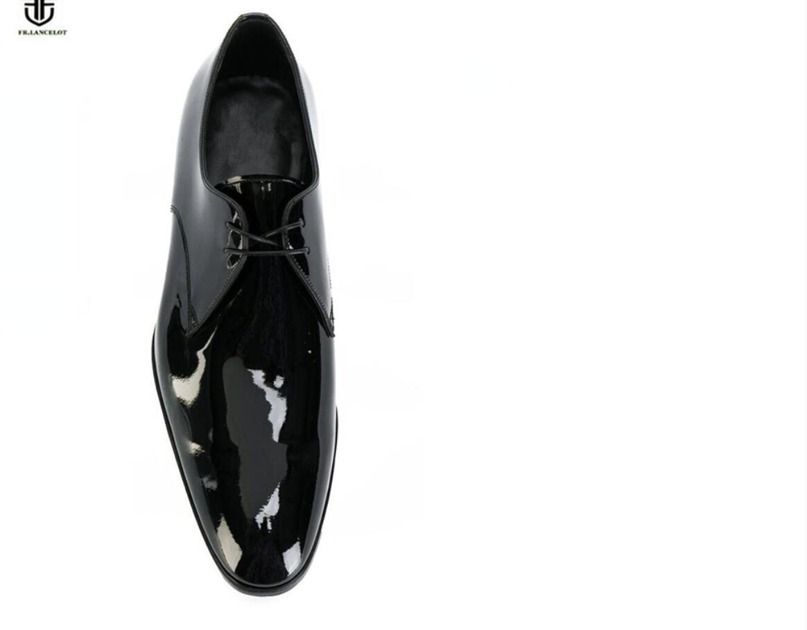 Europäische Station Mens Spitzschuh-Lederschuhe Männer Geschäfts-Leder-Schuhe schnüren sich oben Hochzeit / Party Schuhe