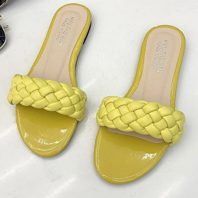 Yaz Sandal Kadınlar Plaj Ayakkabıları Dış Slaytlar Açık Siyah Tasarımcı Moda Düz Terlik Zapatillas Mujer Casa