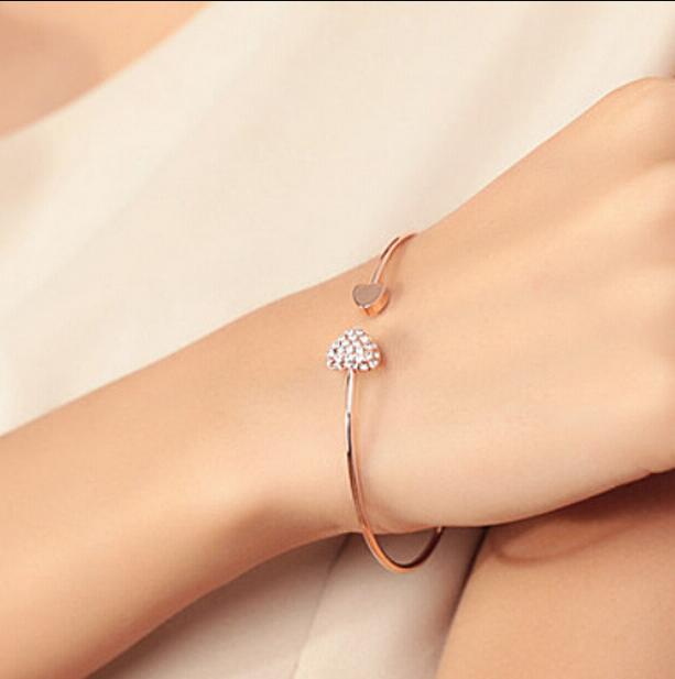 New Women Fashion Style Alloy Gold and Silver Color Rhinestone Love Heart Bangle Cuff Bracelet Jewelry hot sale ps1345