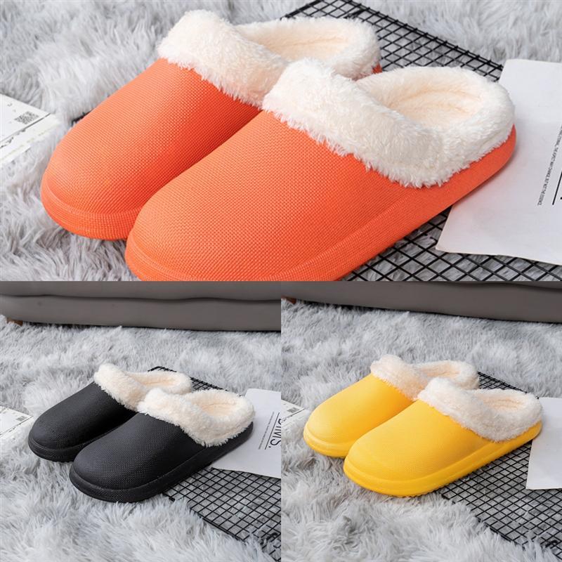 YK7FD FEMMES Paris Designer Scuffs Slipper Slipper Chaussons d'Été Plage Diapo Sandales Confort Luxe Tongs Designer de haute qualité