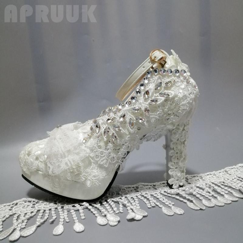 Женщины насосов обуви Белое кружево роскоши кристалл серебряных rhionestones дама свадебные свадебные туфли 11см супер высокие пятки банкета обуви
