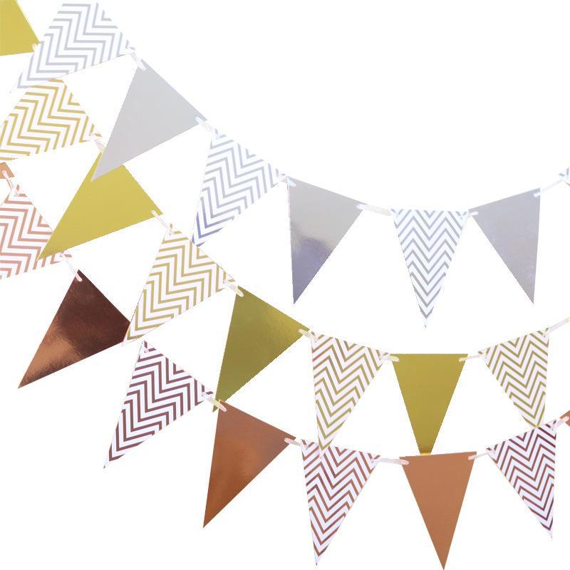 Chaîne de drapeaux Célébration de mariage Arrangement Anniversaire Décorer Decorer Doré Document De Qualité Pennant Factory Vente directe 2 2SH P1