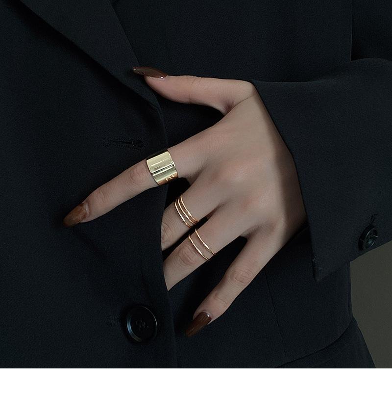 2021 Métal de luxe léger 3 Jeu de la Jeu personnalisée Mode personnalisée Fashion Niche Simple Cold Wind Stroit Golfe Zircon Bague Bijoux Set