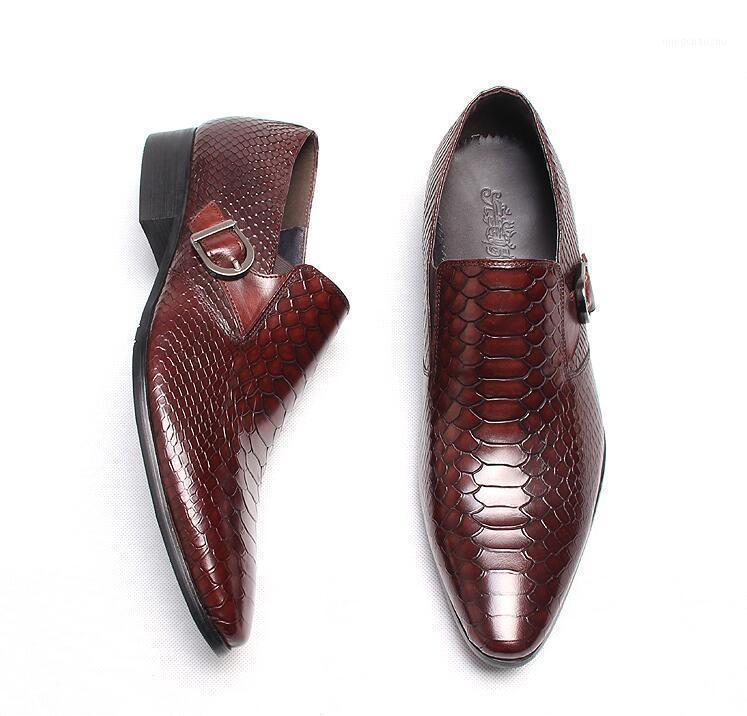 Zapatos de vestir Slip de cuero genuino de los hombres en dedos puntiagudos Snakeskin Hebilla Correa Smart Casual Groom Boda Roja Oxfords1