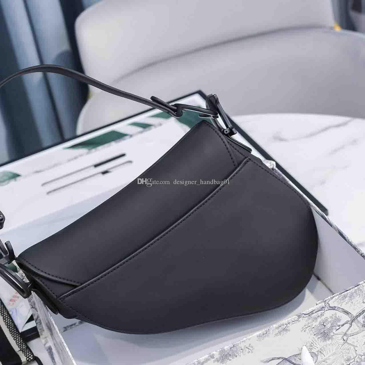 2019 새로운 패션 클래식 여자 숄더 가방 안장 가방 패션 금속 편지 핸드백 스타일 멋진 액세서리 상자
