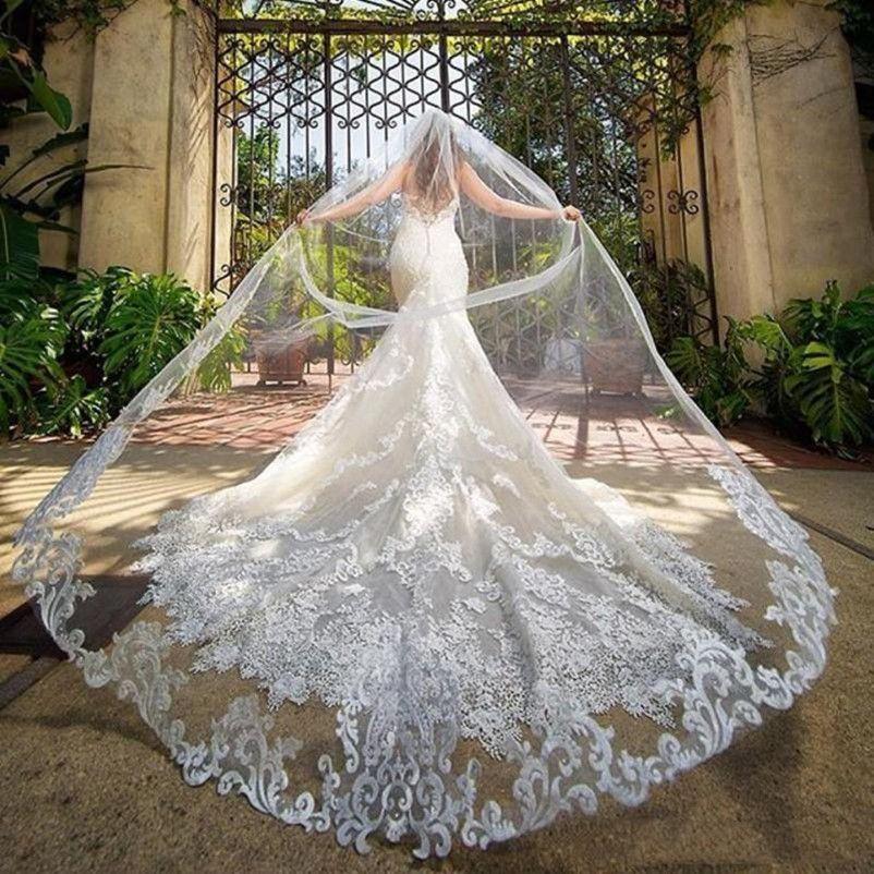 레이스 아플리케 가장자리 긴 베일을 가진 화려한 대성당 길이 3m 웨딩 베일 한 레이어 얇은 명주 그물 맞춤형 신부 베일 빗