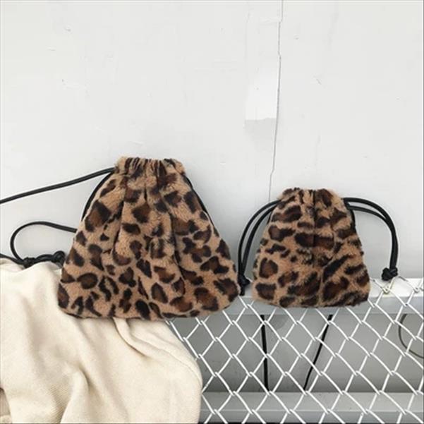 kadınlar kızlar için 2020 kış ipli kova çanta moda tasarımcısı çanta leopar taklit kürk omuz çantası küçük sevimli mini çantalar