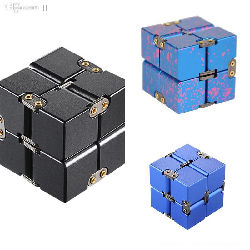 Ihuzs Silber Halskette Infinite Metall Cube Anhänger Rubik's Cube Kristall Die Halskette Beste Geschenk für Geburtstag 2 Cube 2 Rubik's von Neuheit