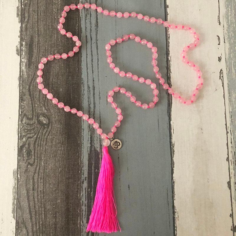 حلوة رومانسية الوردي قلادة الشرابة للنساء 108 روز Quartzs معقود الياقة موهير اليوغا سحر مالا القلائد هدية للسيدات