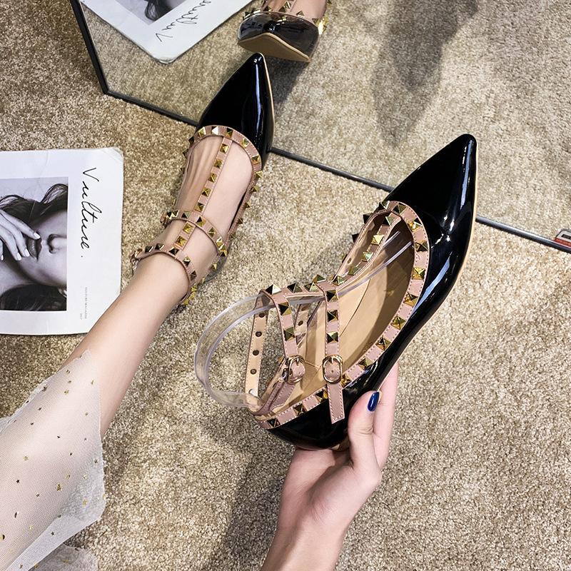 Women Flats T Strap Rivets Dress Shoes Patent Leather Ankle Strap Rivet Sandals Black Ladies Fashion Designer Shoes Woman 1010