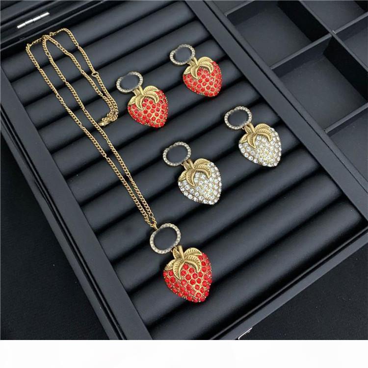Retro Strawberry Diamond Ohrringe Designer Buchstaben Gedruckt Schmuck Sets Marke Strass Halskette Studs Frauen Designer Anhänger