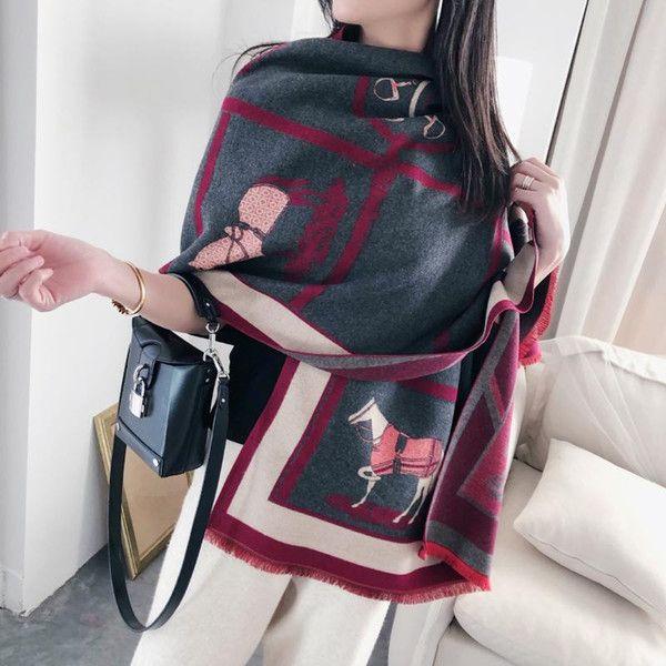 Women Cashmere Scarf Warm Winter Foulard Shawls Wraps for Ladies Luxury Chain Print Bandana Scarves 2020 Fashion