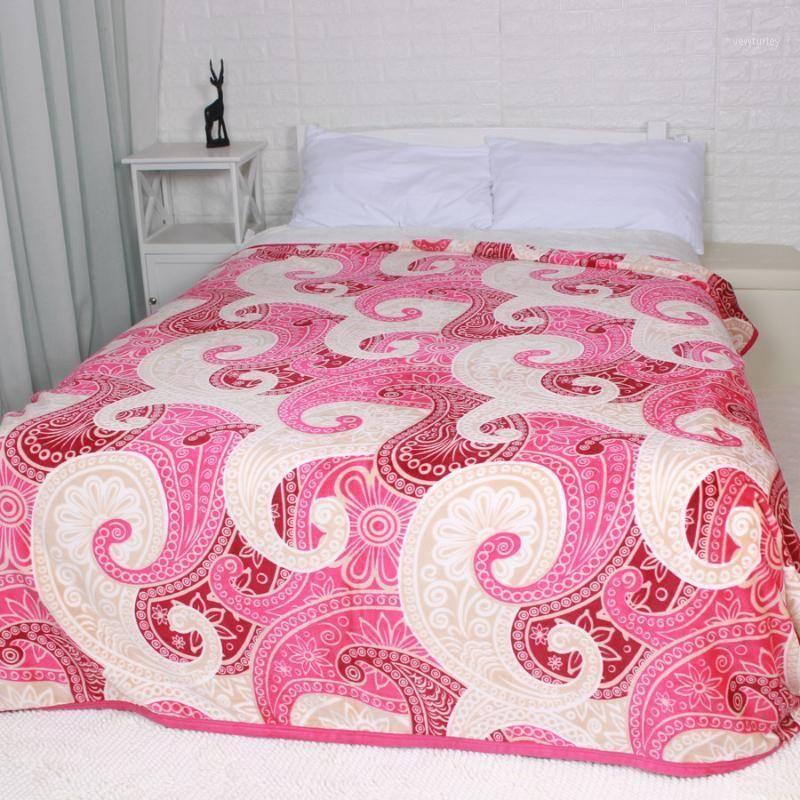 ارتفع لون الطاووس الشكل زهرة الفانيلا السرير الأحمر انتشار ورقة السرير شقة بطانية 3size1