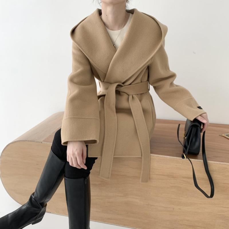 Guanadora de mujeres Abrigos Superaen Otoño 2021 Cinturón con capucha con capucha completa Un abrigo de línea para las mujeres