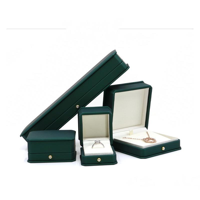 PU de cuero caja de joyería pendiente del collar del anillo de bodas Organizador colgante Embalaje Envoltura de regalo Cajas de embalaje Accesorios