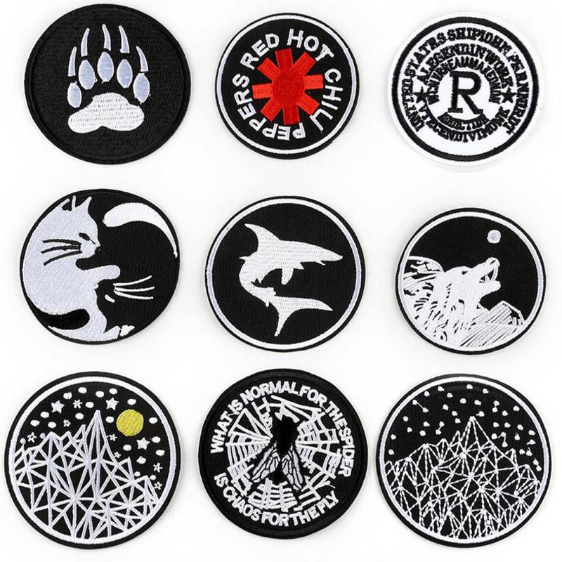 Manchas de estilo de tendencia en blanco y negro Parches de bordado Aplique Stickers Pegatinas Costura para paño Aplique Ropa Pegatinas Plancha en ropa