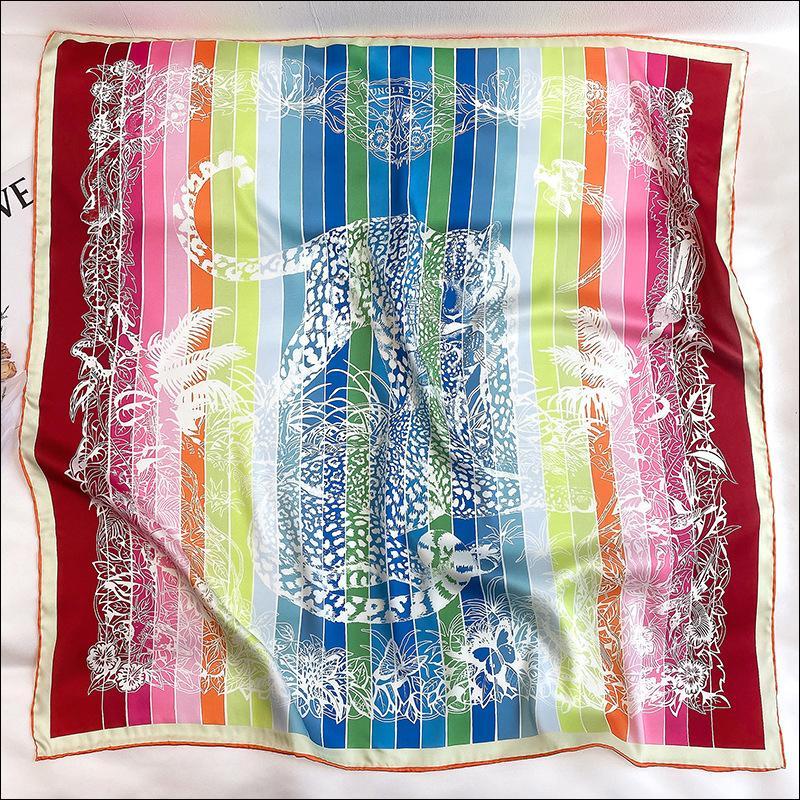 Écharpe à col de soie Foulard Satin Satin Foulard Femme Soie Tête Foulards pour Mesdames Main Écharpe Rouled 90 Foulard Luxe