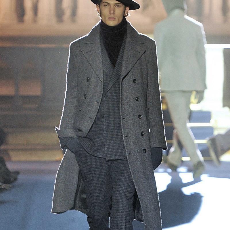 abrigo de lana de los hombres para el otoño / invierno 2020 nueva solapa estilo delgado mitad de la longitud cruzado de gabardina de lana