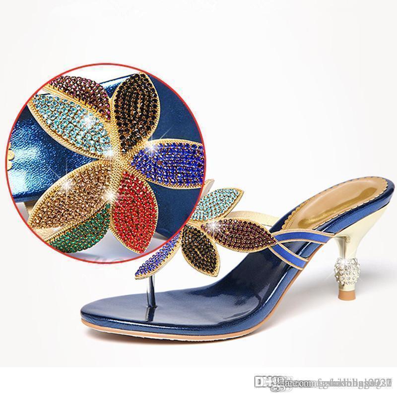 Novas mulheres sandálias de cristal de luxo Shoes Deslize Verão saltos Clipe pé Moda estilete mulher Slippery PVC princesa Sandals Slippers