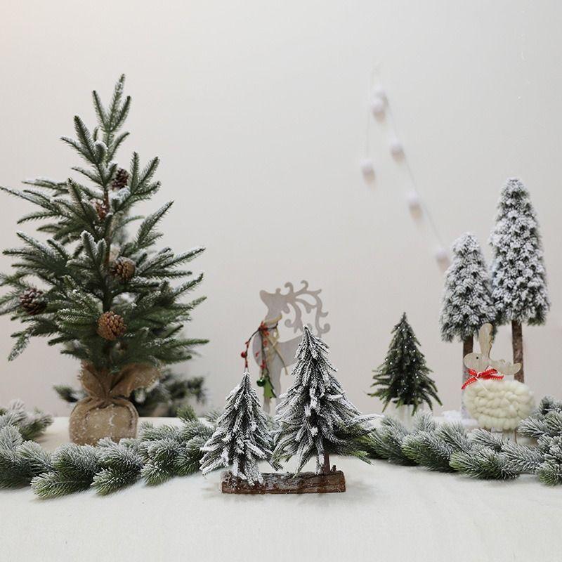 Noel süslenmiş Rattan AVM otel barı sahnenin içine Sıcak Satış Noel süslemeleri Hızlı Kargo dekorasyonlar