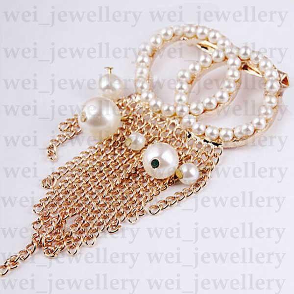 Pérola Designer Broche C Letra Diamante Broche Pin Borla Mulheres Broche Designer Jóias De Moda Roupas Decoração
