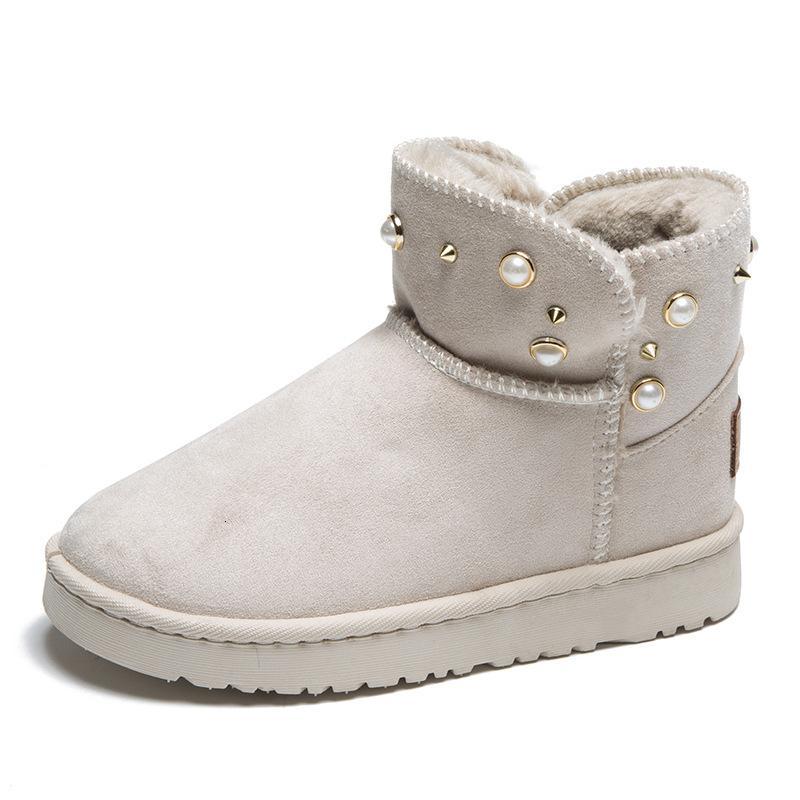 مستديرة سوداء 2020 الجديدة الأحذية النسائية لؤلؤة الديكور الشتاء الدافئ عارضة أخمص القدمين بالإضافة إلى حذاء الثلوج الإناث حجم
