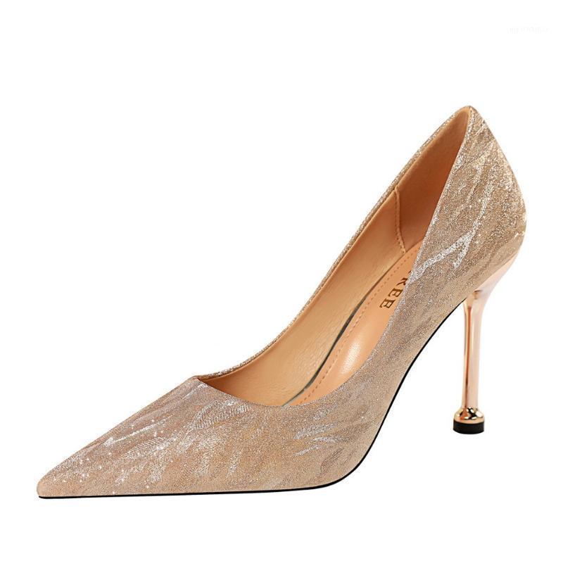 2020 ربيع المرأة الجديدة مضخات عالية رقيقة الكعب أشار تو مثير بلينغ الزفاف أحذية الزفاف الذهب عالية الكعب السيدات الأحذية 7.5 / 9.5cm1