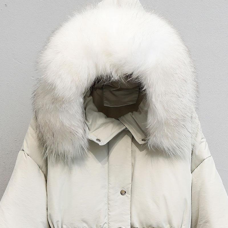 Pato blanco abajo de la chaqueta de las mujeres del mapache cuello de piel abajo cubren la chaqueta de la capa del invierno Puffer mujeres calientes Parka Casaco 8081 YY1226