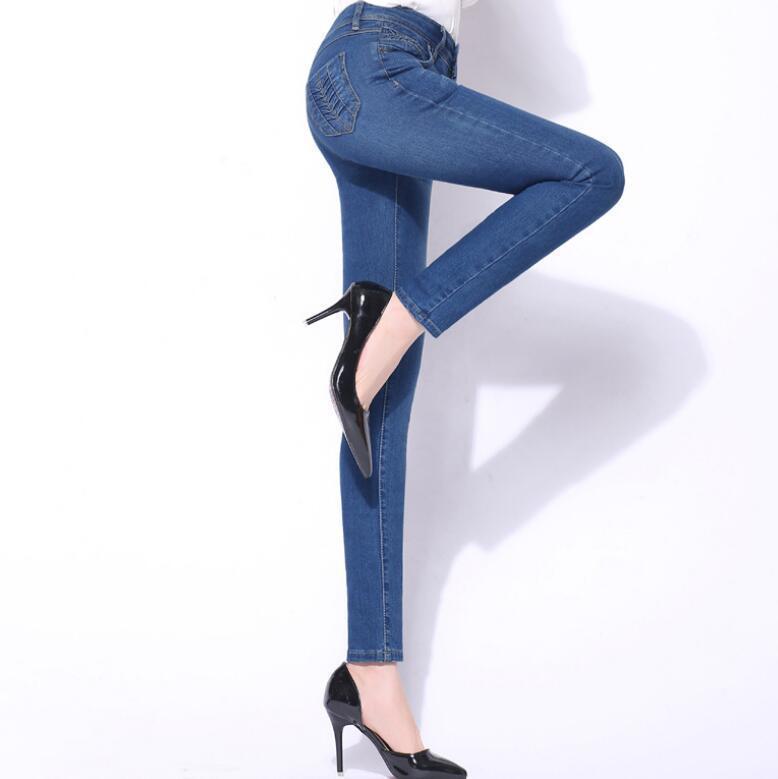 Мама высокой талией Vintage Stretch Джинсовые брюки для женщин Классический Slim Fit Узкие джинсы карандаш брюки для женщин большого размера 2020