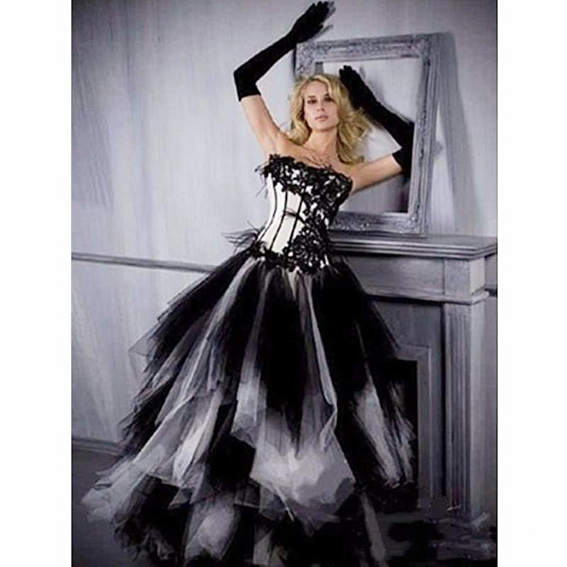 Vintage Black And White Wedding Dresses A Line Tiered Wave Skirt Long 2021 Gothic Wedding Dress Corset Plus Size Puffy Tulle Bridal Gowns