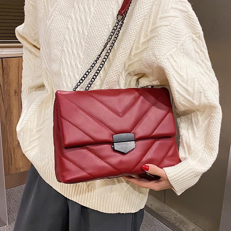 Mode 2020 chaînes femmes rétro grandes épaules sac deigner sac PU Messenger cuir bandoulière sac de luxe Sacs femme sacs rabat sac à main lingue Dackp