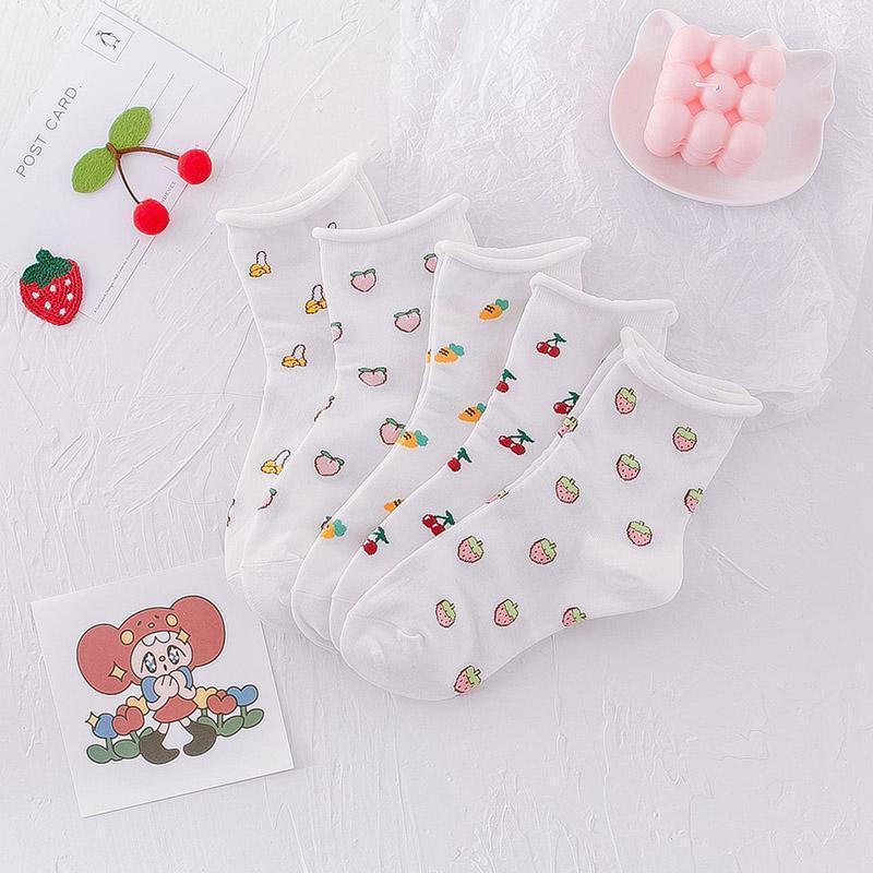 Borda bonito branco meias engraçadas design banana pêssego cereja cenoura morango meias mulheres calculistas divertidos harajuku sokken1