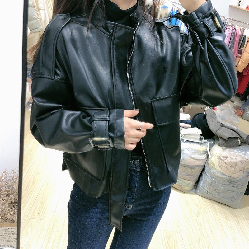 FMFSSOM Большой карманный Сыпучие дизайн BF Мотобайк Zipper Puff рукавом Chic женщин Lady Pu Leather Jacket 201009