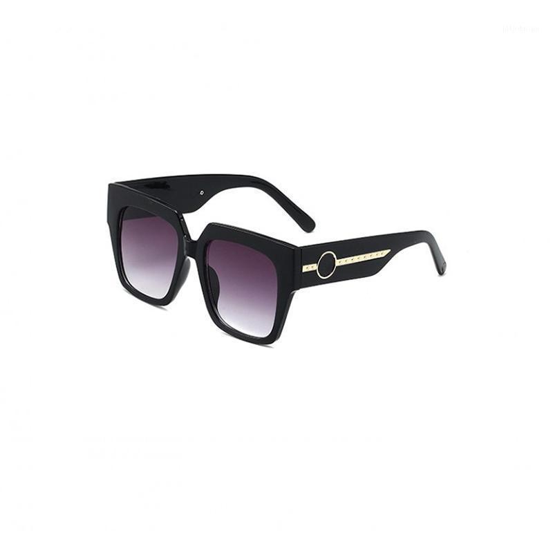 2021 New Fashion Brand Sunglasses Donne Quadrato Driving Eyewear Brand Designer di lusso Occhiali da sole UV400 Vintage Gafas Feminino1