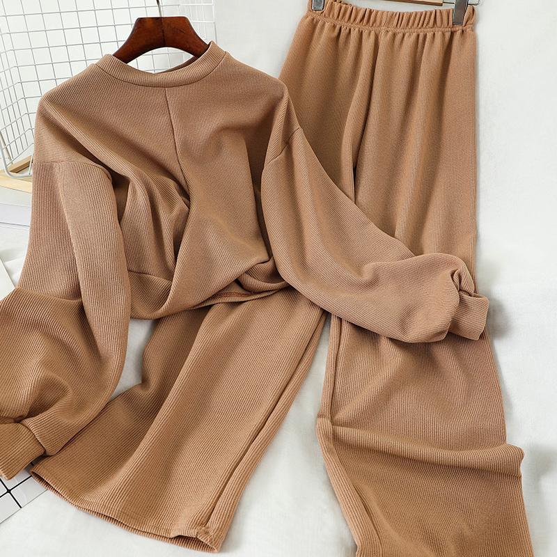 Nueva primavera y el otoño flojo géneros de punto cortos Top + cintura alta pierna ancha pantalones de dos piezas de las mujeres que hacen punto el sistema ocasional de los pantalones 201007