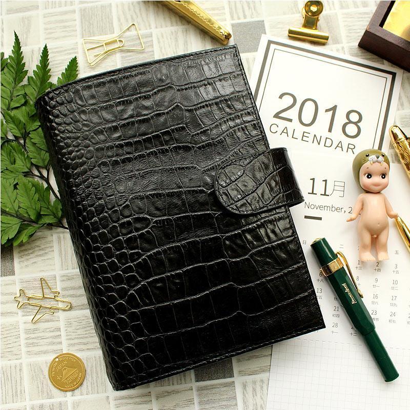 Yiwi Genuine Leather Caderno Diário Planejador com bolso SketchBook Agenda DIY Refill Presente de Aniversário Escola