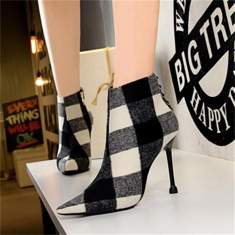 Европейские и американские моды стиль зимние женские сапоги на высоком каблуке заостренным замша была тонкая тенденция клетчатые ботильоны 201022