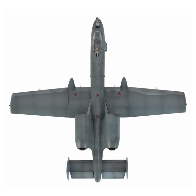 II 1:72 ölçekli önceden oluşturulmuş püskürtme domuz Warthog Yıldırım A-10A uçak tahsil hobi plastik modeli bitmiş