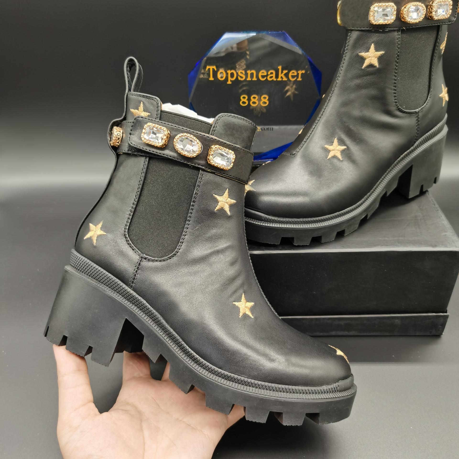2021 최고 품질의 마틴 피팅 여성 부츠 Laureate Love Womens 블랙 리얼 가죽 메달 거친 비 슬립 겨울 신발 크기 US5-11