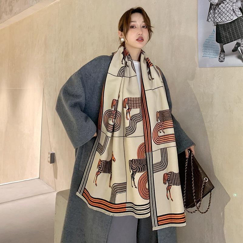 Scarves 2021 Fashion Autumn Two-sided Cashmere Scarf Winter Tassels Soft Keep Warm Shawls Lady Carriage Print Wool Beach Towel