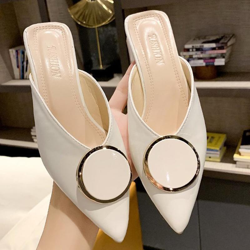 2020 femmes pantoufles mulettes chaussures plates élégantes personnalité pointues boucle des pantoufles de dames confortables coulisses extérieures à talons à talon