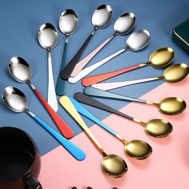 جديد الإبداعية مقبض طويل ملاعق الفولاذ المقاوم للصدأ جولة رئيس ملعقة الحلوى سكوب الأطفال أرز الملعقة الرئيسية أدوات المطبخ T9I001043