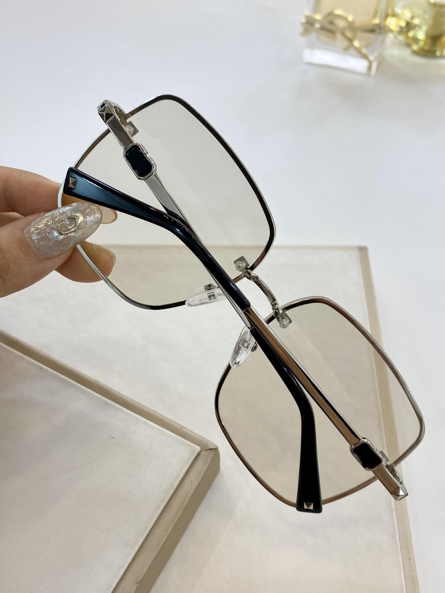 2021 جديد الأوروبية والأمريكية نظارات شمسية برشام نمط النظارات الشمسية نظارات الأزياء نظارات VA4072 حجم 61 * 15-140