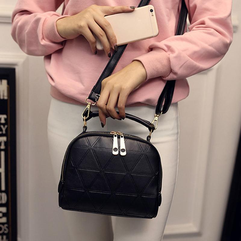 Messenger Bag 2021 Nueva cadena de moda con cadena de cuero negro Crossbody Bolsos Mini bolsos y bolsa Textura de hombros Dopjm