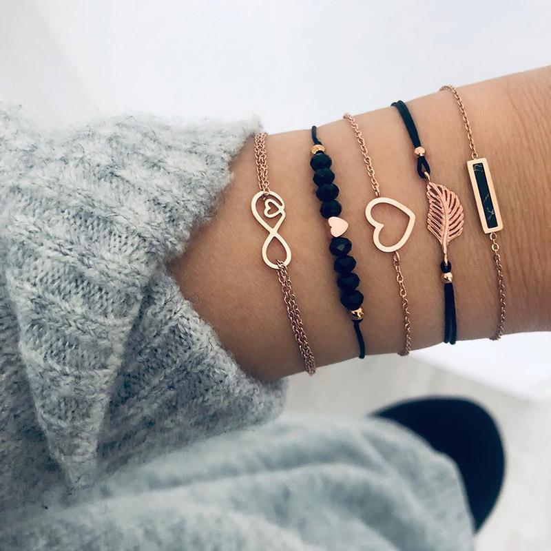 5Pcs / Set classique Bracelet pour les femmes de perles noires de coeur d'amour feuille chaîne corde Infinity main Bracelets Set Cadeaux Bijoux Hot