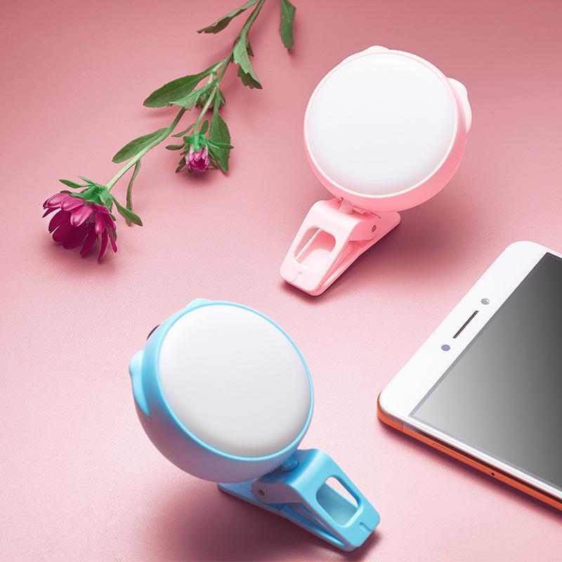 Mini USB portatile ricaricabile a LED selfie Light Ring con la clip 3 modalità Lights Flash e girante 360 per il telefono e la macchina fotografica