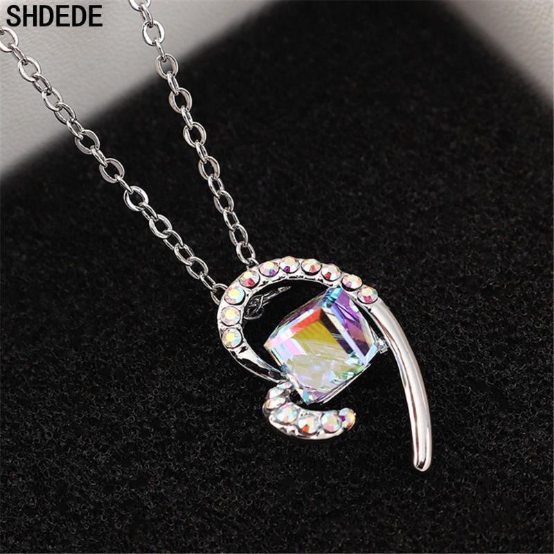 SHDEDE Fashion Frauen quadratische Kristallherz-hängende Halskette Geburtstags-Party-Geschenk Art und Weise Schmuck Glamour Lässige -31.635