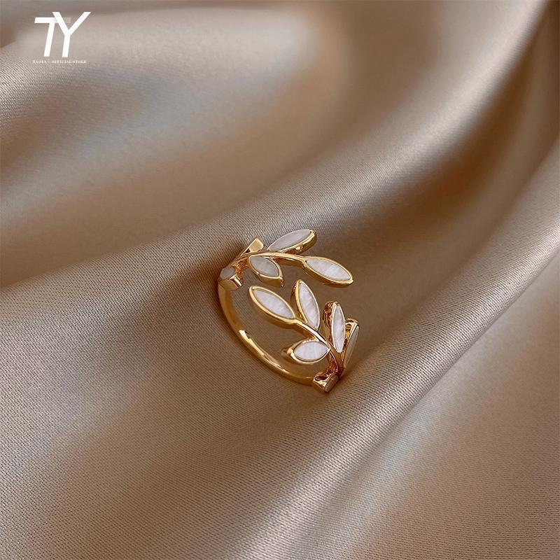 2020 NUEVA Forma de rama de hoja creativa Anillo abierto para mujer moda Joyería de dedo coreano Joyería de lujo Fiesta de boda de lujo Anillos inusuales de la niña